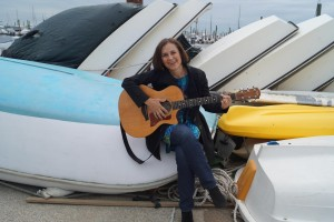 Dorota Huculak, spiewaczka i gitarzystka